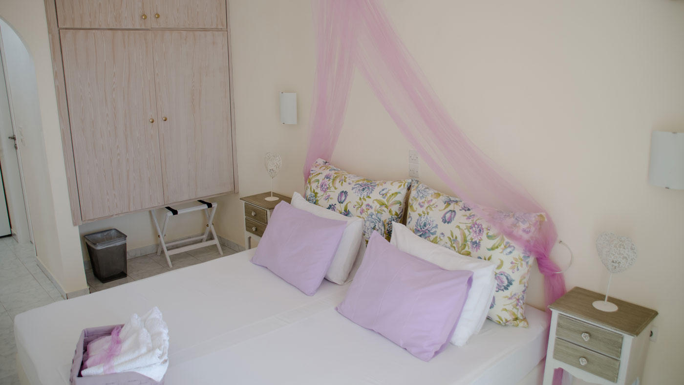 Akrogiali Hotel Accommodation
